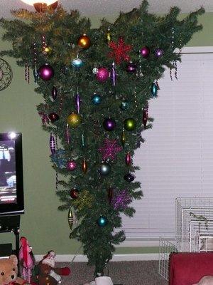 upside-christmas-tree.jpg