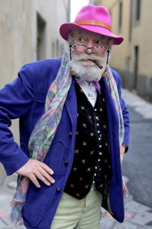 stylish-seniors-advanced-style-older-and-wiser-ari-seth-cohen-44-5721fc951b12c__700[1].jpg