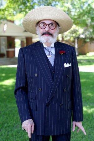stylish-seniors-advanced-style-older-and-wiser-ari-seth-cohen-16-5721fce6a8123__700[1].jpg