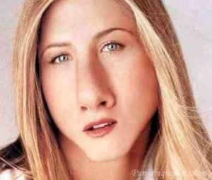 Jennifer-Aniston-With-Funny-Face-Actress.jpg